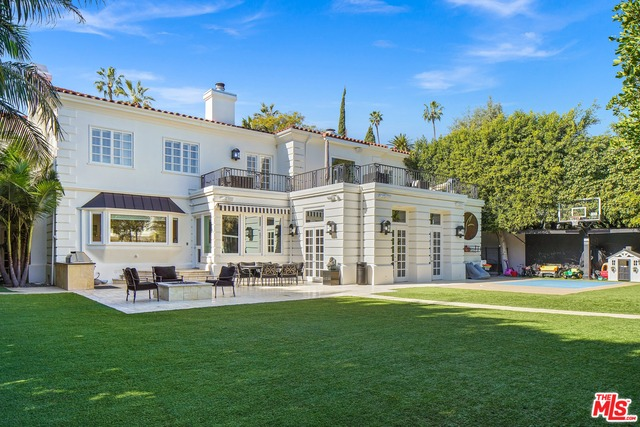 Photo of 708 N Hillcrest Rd, Beverly Hills, CA 90210