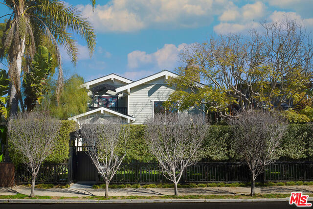 Photo of 2412 Mckinley Ave, Venice, CA 90291
