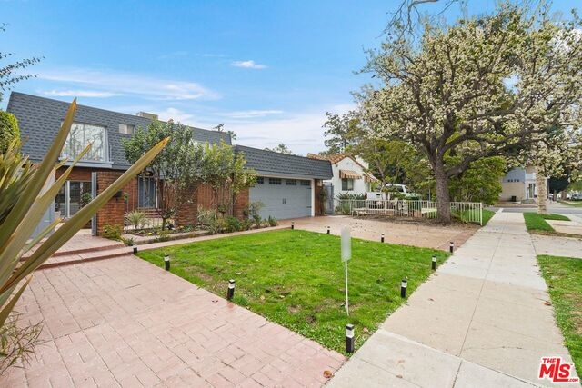 Photo of 224 S Stanley Dr, Beverly Hills, CA 90211