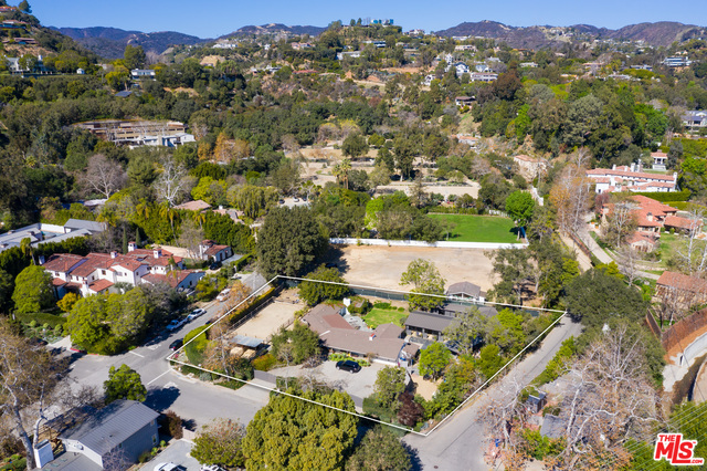 Photo of 13181 Riviera Ranch Rd, Los Angeles, CA 90049