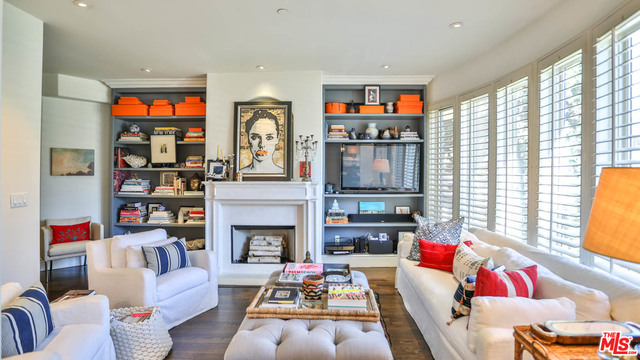 Photo of 137 S Spalding Dr #106, Beverly Hills, CA 90212