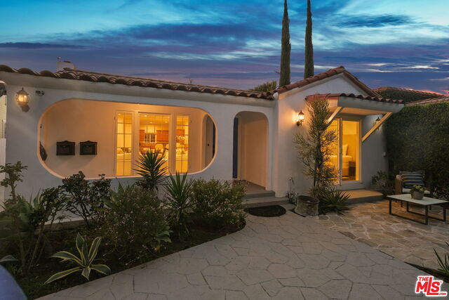 Photo of 531 Westmount Dr, West Hollywood, CA 90048