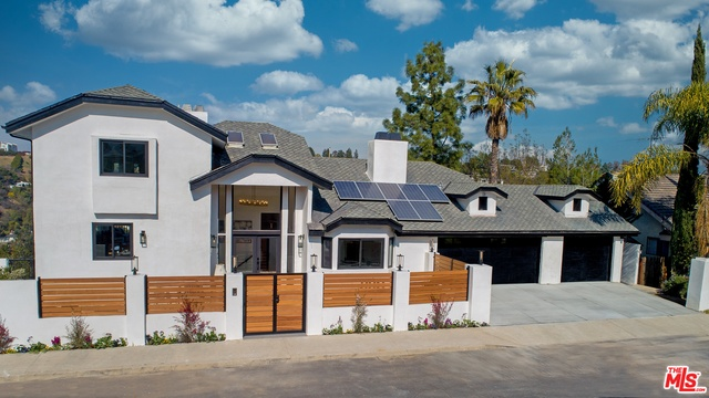 Photo of 11559 Dona Teresa Dr, Studio City, CA 91604