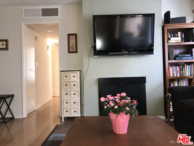 Photo of 1102 Summertime Ln, Culver City, CA 90230