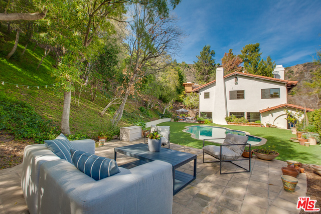 Photo of 1663 Stone Canyon Rd, Los Angeles, CA 90077