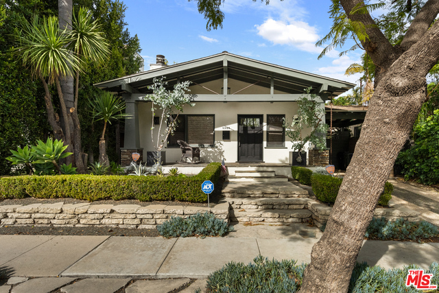 Photo of 8945 Rosewood Ave, West Hollywood, CA 90048