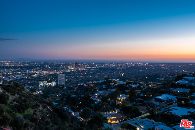 Photo of 2287 Sunset Plaza Dr, Los Angeles, CA 90069