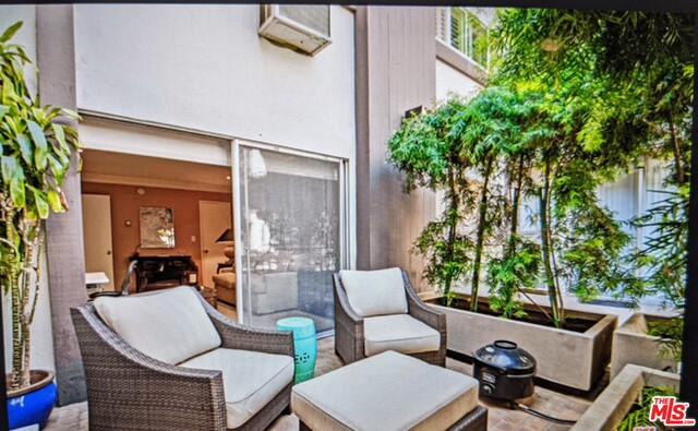 Photo of 117 S Doheny Dr #203, Los Angeles, CA 90048