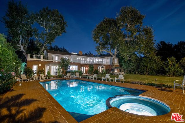 Photo of 719 N Alpine Dr, Beverly Hills, CA 90210