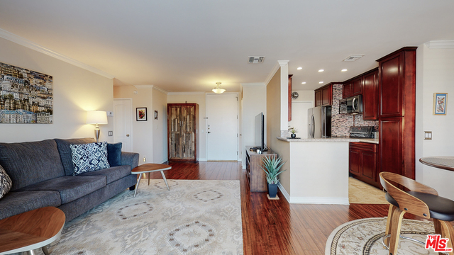 Photo of 100 S Doheny Dr #421, Los Angeles, CA 90048