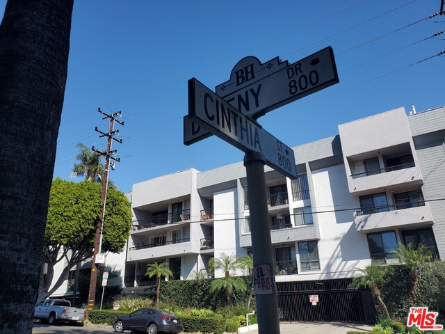 Photo of 906 N Doheny Dr #318, West Hollywood, CA 90069