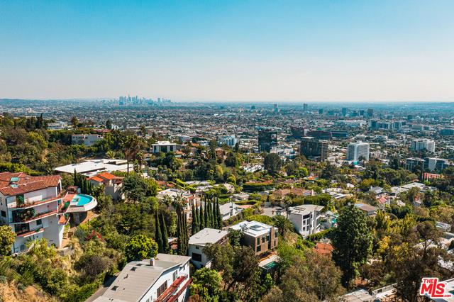 Photo of 9443 Sierra Mar Pl, Los Angeles, CA 90069