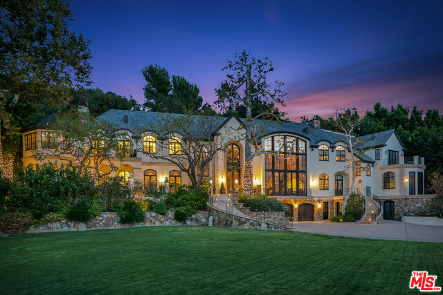 Photo of 2650 Benedict Canyon Dr, Beverly Hills, CA 90210