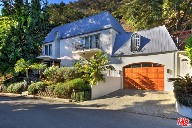 Photo of 1839 N Beverly Dr, Beverly Hills, CA 90210