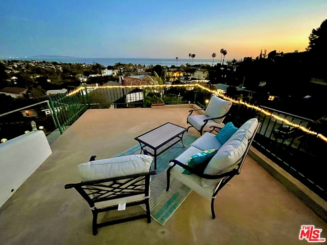 Photo of 950 Chattanooga AVE, Pacific Palisades, CA 90272