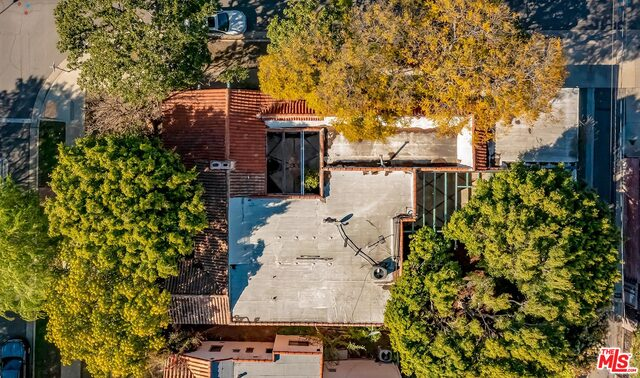 Photo of 300 S Almont Dr, Beverly Hills, CA 90211