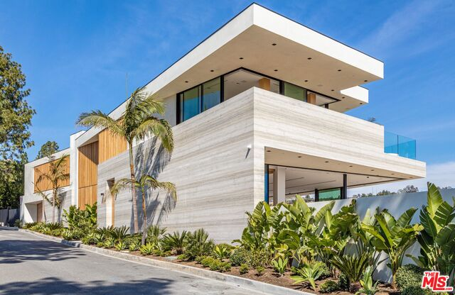 Photo of 1274 Lago Vista Dr, Beverly Hills, CA 90210