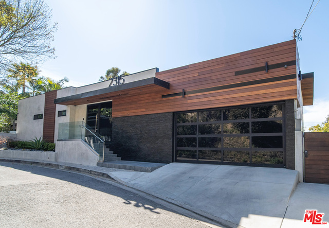 Photo of 2315 Gloaming Way, Beverly Hills, CA 90210