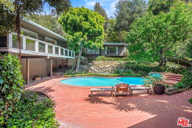 Photo of 1746 Mandeville Ln, Los Angeles, CA 90049