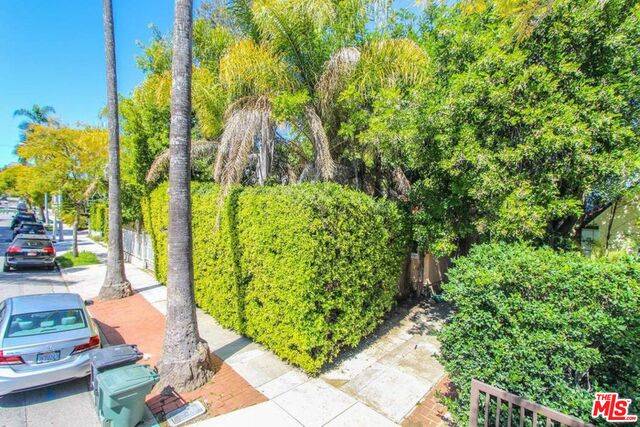 Photo of 8929 Rosewood Ave, West Hollywood, CA 90048
