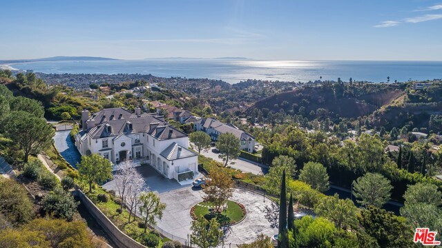 Photo of 16375 Shadow Mountain Dr, Pacific Palisades, CA 90272