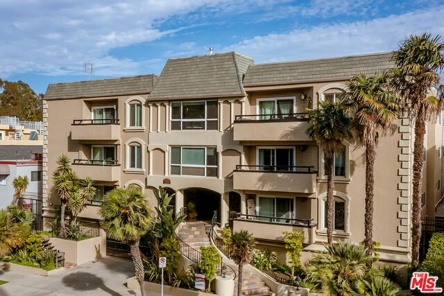 Photo of 11646 Chenault St #11, Los Angeles, CA 90049