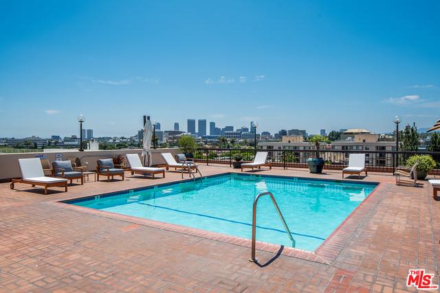 Photo of 325 N Oakhurst Dr #202, Beverly Hills, CA 90210