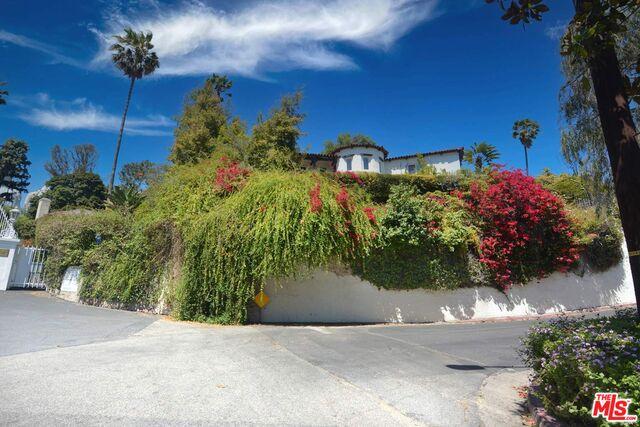 Photo of 1945 N Normandie Ave, Los Angeles, CA 90027