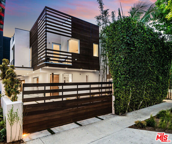 Photo of 717 Huntley Dr, West Hollywood, CA 90069