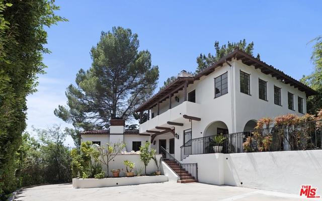 Photo of 3716 Amesbury Rd, Los Angeles, CA 90027