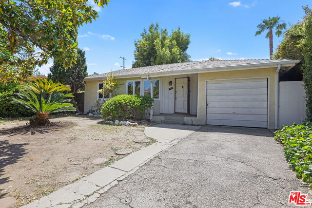 Photo of 3027 Malcolm Ave, Los Angeles, CA 90034
