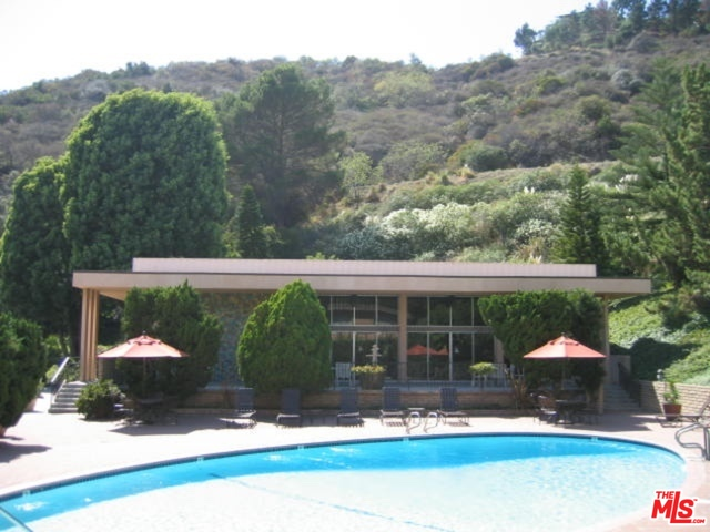 Photo of 6732 Hillpark Dr #208, Los Angeles, CA 90068