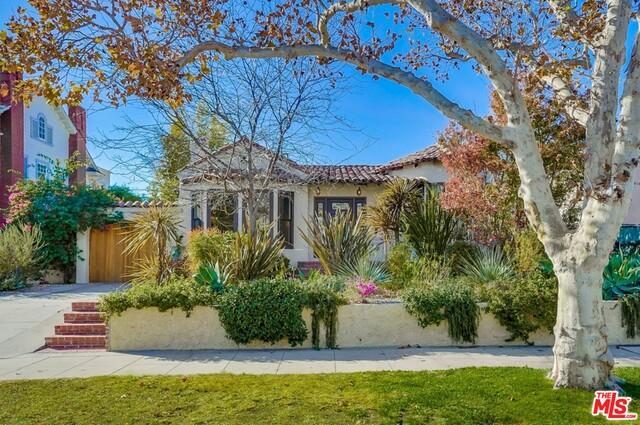 Photo of 571 N Cahuenga Blvd, Los Angeles, CA 90004