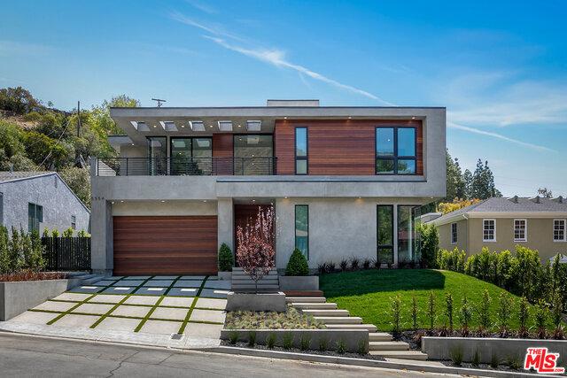 Photo of 5554 Green Oak Dr, Los Angeles, CA 90068
