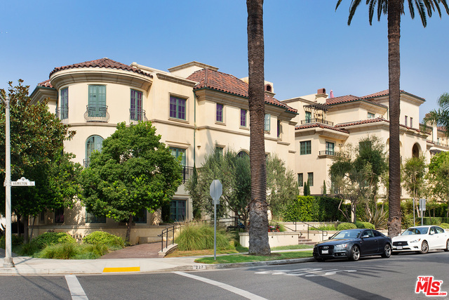 Photo of 227 S Hamilton Dr #213, Beverly Hills, CA 90211