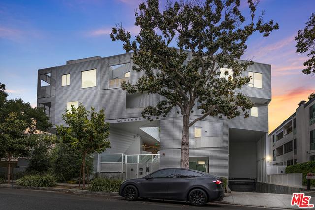 Photo of 1030 N Kings Rd #104, West Hollywood, CA 90069