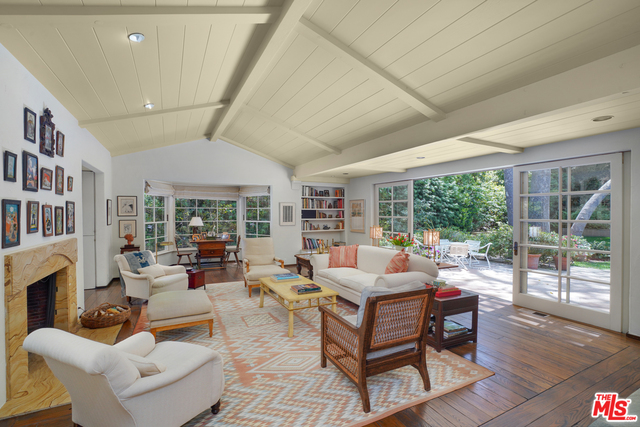 Photo of 2237 Mandeville Canyon Rd, Los Angeles, CA 90049