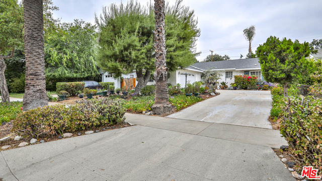 Welcome to this traditional, well cared for ranch style home in a desirable tree-lined Jefferson Park neighborhood. This home has so much potential with 3 well appointed bedrooms, 2 car garage and over 9,000 sq ft of flourishing garden. While retaining much of its original charm, this home also features a separate laundry room, sliding doors from the family room that open to a patio and is conveniently located with easy access to freeway 210, the Allen Gold Line station, Pasadena City College, Caltech, parks, shops and restaurants.