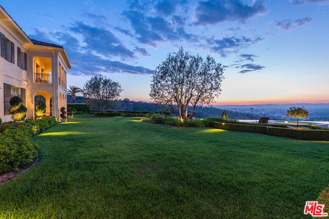Photo of 13961 Aubrey Rd, Beverly Hills, CA 90210