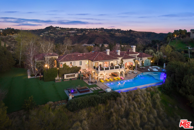 Photo of 2505 Summitridge Dr, Beverly Hills, CA 90210