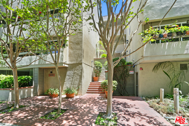 Photo of 1888 Greenfield Ave #105, Los Angeles, CA 90025