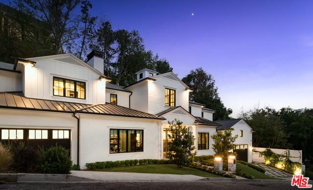 Photo of 10960 Verano Rd, Los Angeles, CA 90077
