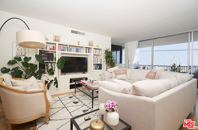 Photo of 1100 Alta Loma Rd #705, West Hollywood, CA 90069