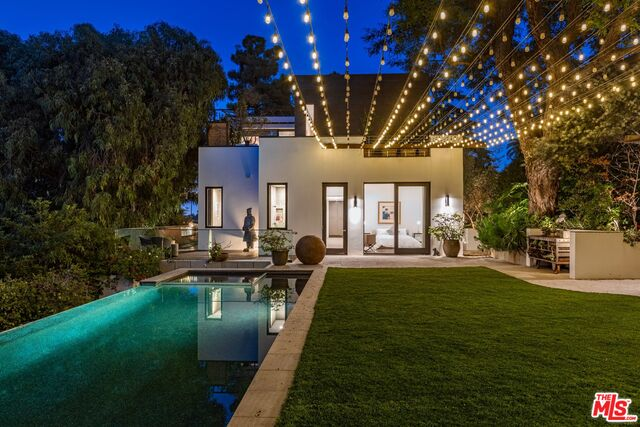 Photo of 1514 San Remo Dr, Pacific Palisades, CA 90272