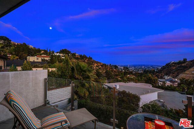 Photo of 7950 Electra Dr, Los Angeles, CA 90046
