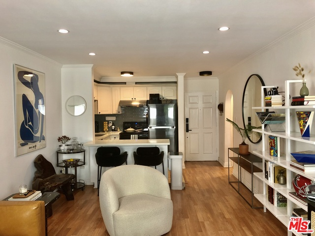 Photo of 625 N Flores St #107, West Hollywood, CA 90048