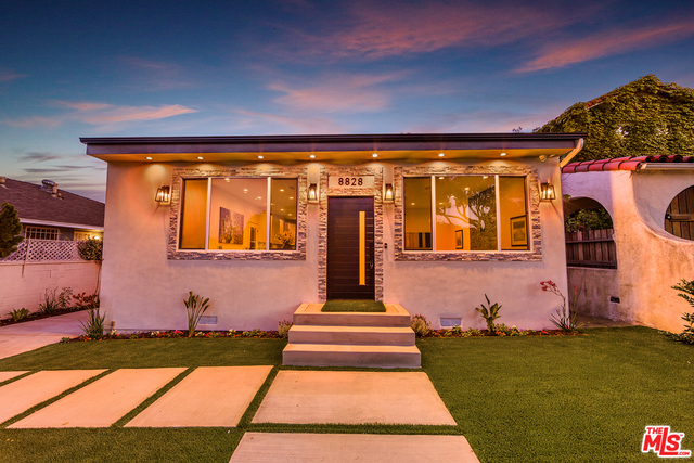 Photo of 8828 Pickford St, Los Angeles, CA 90035