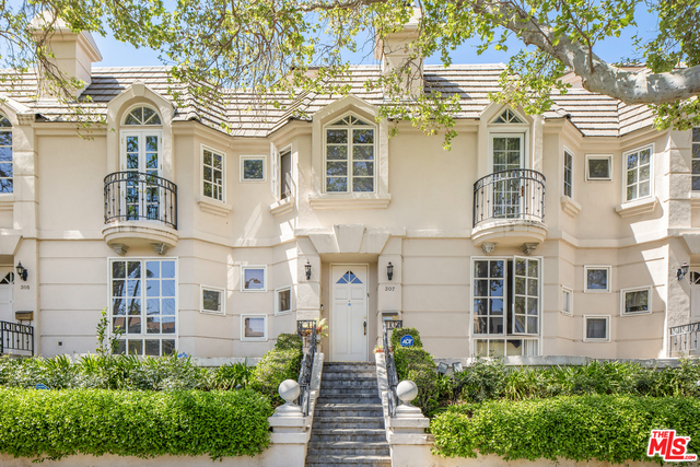 Photo of 307 N Almont Dr, Beverly Hills, CA 90211