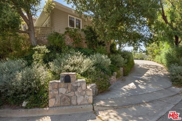 Photo of 1350 Monument St, Pacific Palisades, CA 90272