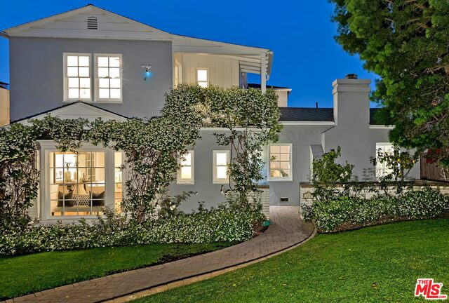 Photo of 470 S Beverwil Dr, Beverly Hills, CA 90212